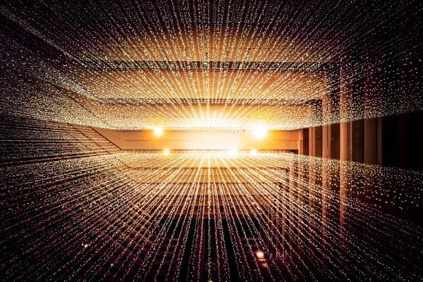 GolSymbolbild für XML Sitemaps: Goldene Lichtstreifen